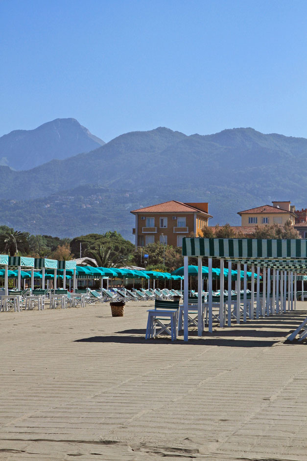 View of the Apuan Alps from the beach of Bagno Lido