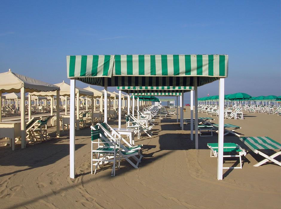 Spiaggia bagno lido a marina di pietrasanta versilia - Bagno roma marina di pietrasanta ...