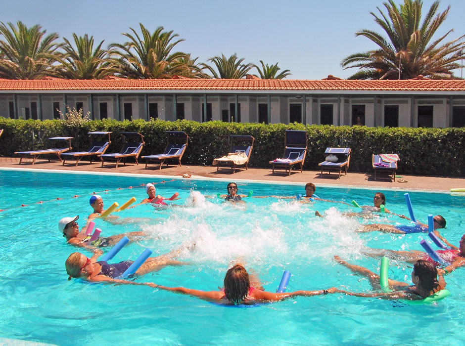 Water aerobic lessons in the pool of Bagno Lido