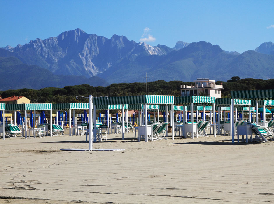 View of the Apuan Alps and tents Bagno Lido